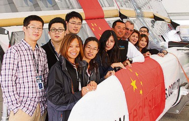 Plymouth College's Chinese students meet sailors before capsize!