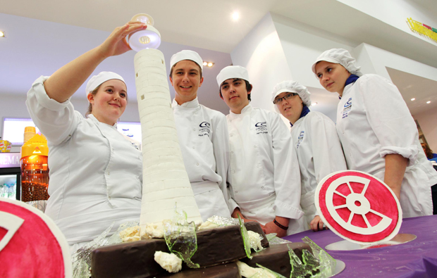 Cornwall College makes 'light' work of cake