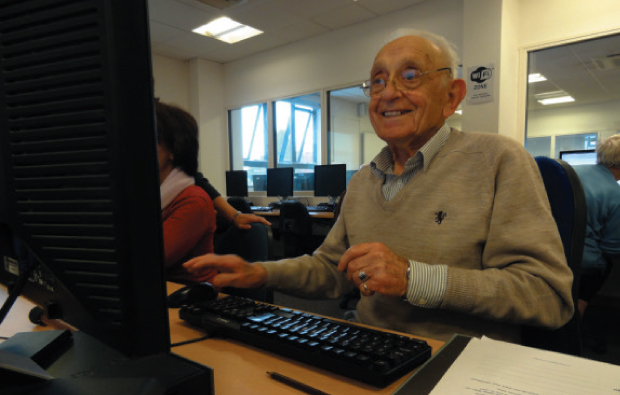 Stanley, 94, goes silver surfing