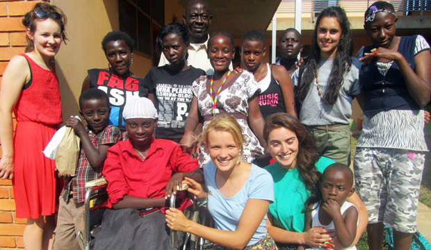 Young volunteers travel to Uganda to help Aids and cancer patients