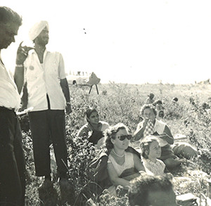A picnic with Layzelle's family and friends in Kenya in the 1950s
