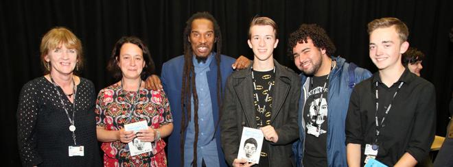 Students talk politics with radical poet