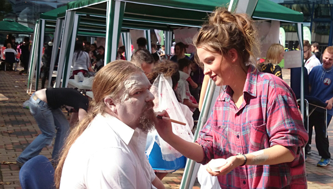 Make-up artists bring 'zombie' walkers to life