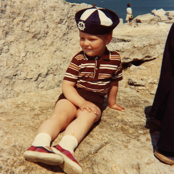 Gannon-aged-3-on-a-beach-in-Dorset-1