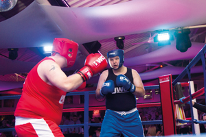 Matthew and Gary go toe-to-toe to raise money for Cancer Research UK
