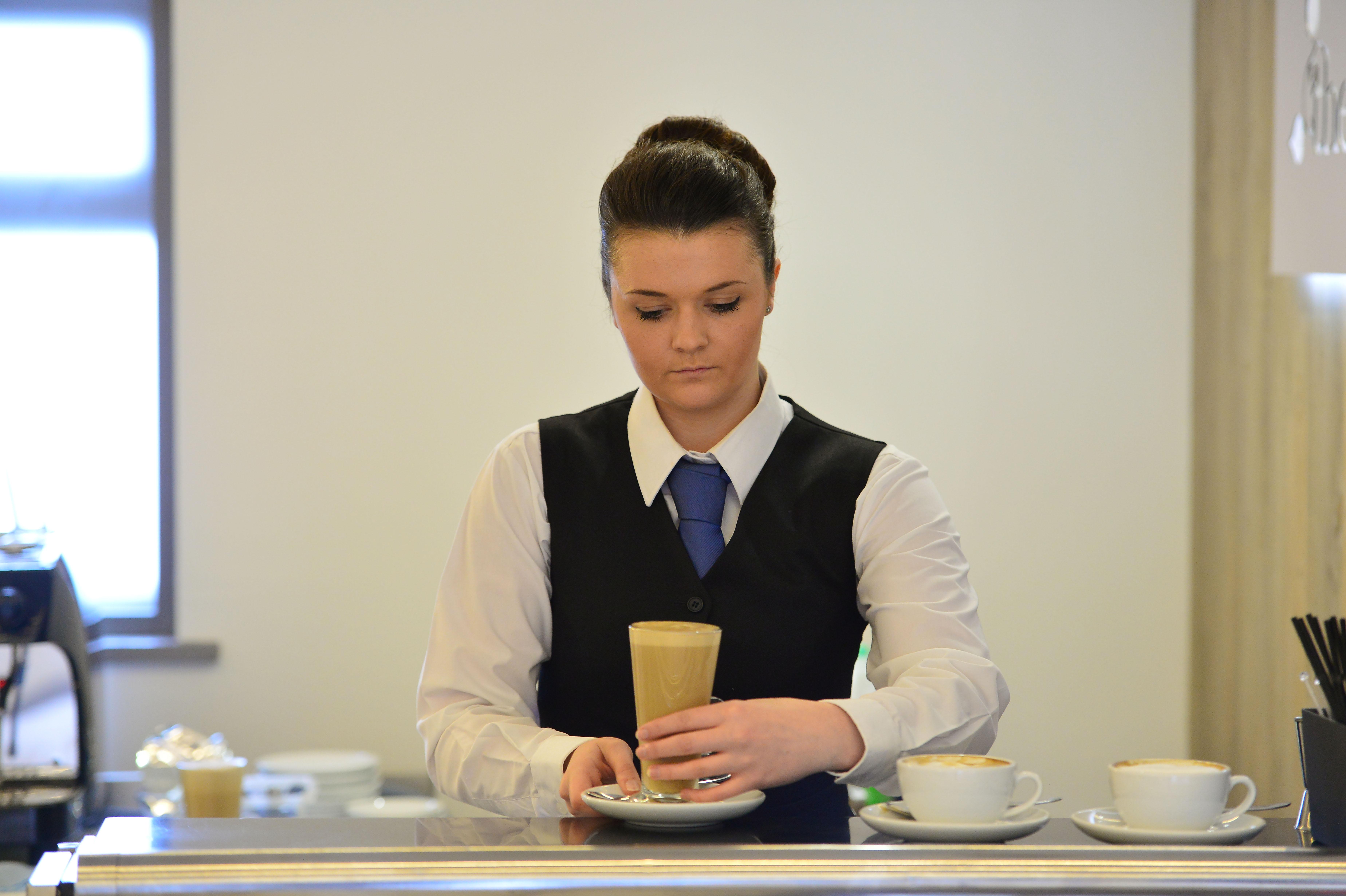 Lucy Jones — restaurant service