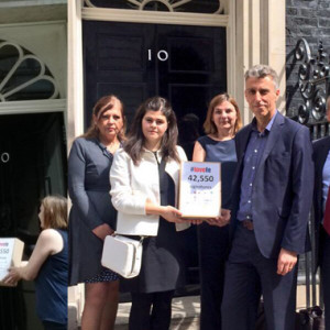 FE cuts petition signed by 42,500 handed over to 10 Downing Street