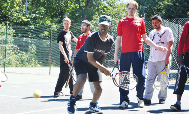 College course uncovers tennis talent in deafblind learner