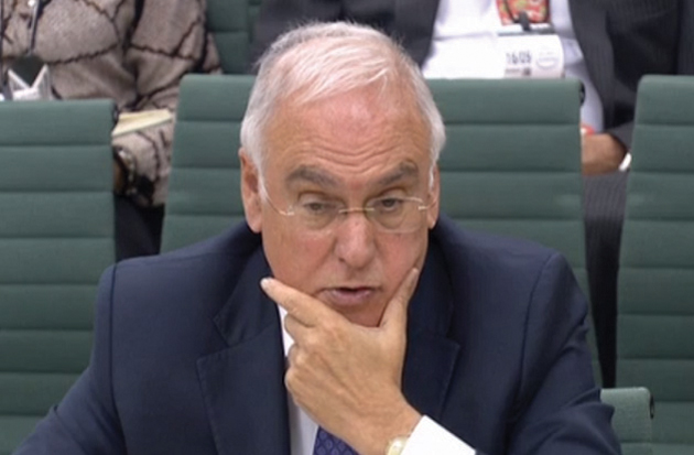 Apprentice numbers 'a disaster', says Ofsted's Sir Michael Wilshaw