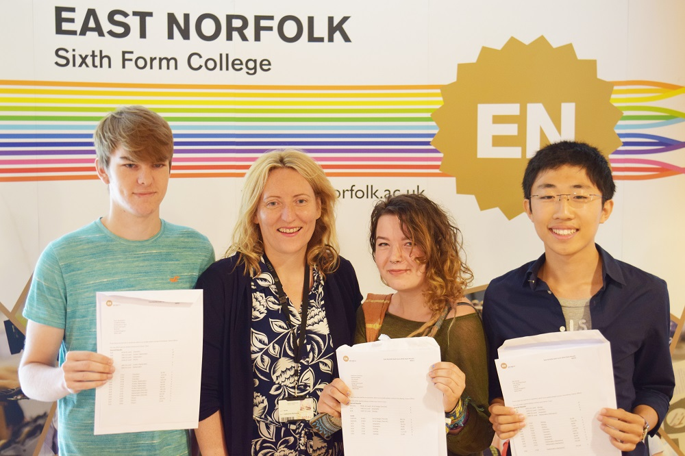 Dr Catherine Richards with Ross Downham Kathryn Canham  Ray Wang - East Norfolk SFC