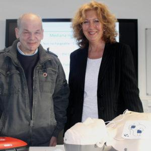 Pub landlord and cancer survivor donates £500 defibrillator to local college