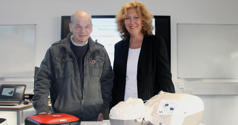 Pub landlord and cancer survivor donates £500 defibrillator to local college