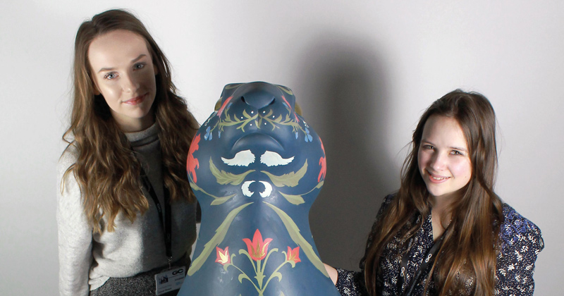 Students paint five-foot hare statue to feature in the Cotswold Hare Trail