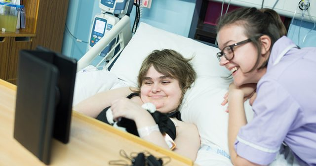 Seriously ill children have gig live-streamed to their hospital beds with the help of media students