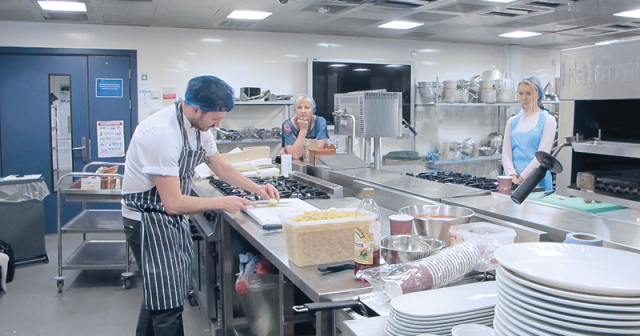 Crash courses in cooking for aspiring HE students