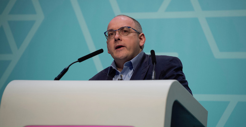 'Deliver on apprentice travel cost pledge', urges Robert Halfon