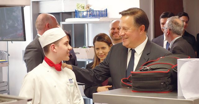 President of Panama visits FE college to find out more about technical education