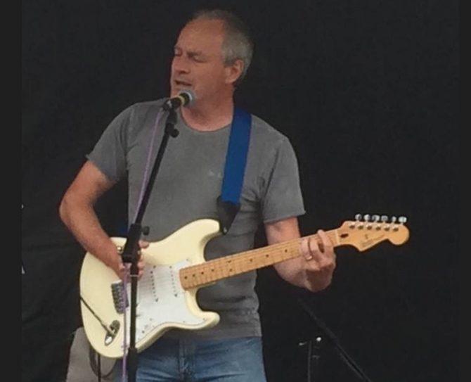 Ian Pryce - still gigging